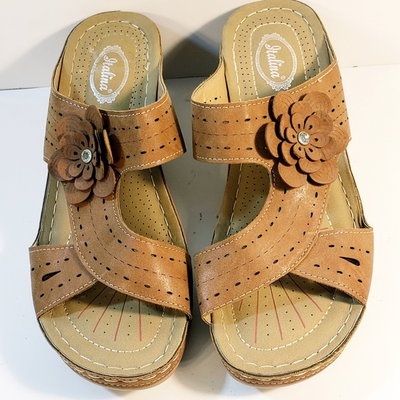 1ea894d25a31 Italina Shoes - Women s Italina By Summer Rio Sandals Size 9.5 Lea